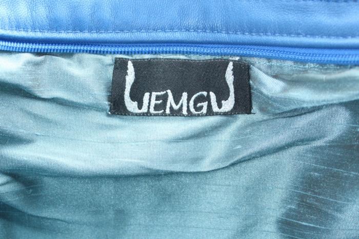 Handtasche aus blauem Kalbsleder, Mittelfelder geprägt und blau-grün changierend - Innenansicht